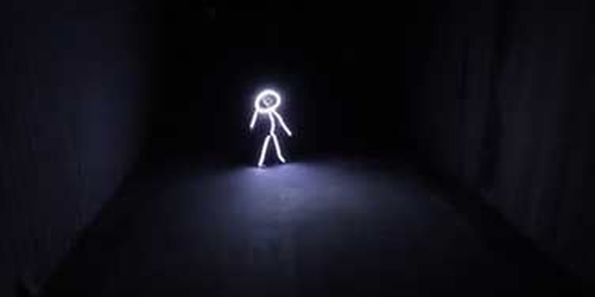 VIRAL VIDEO: Clever stick figure Halloween costume
