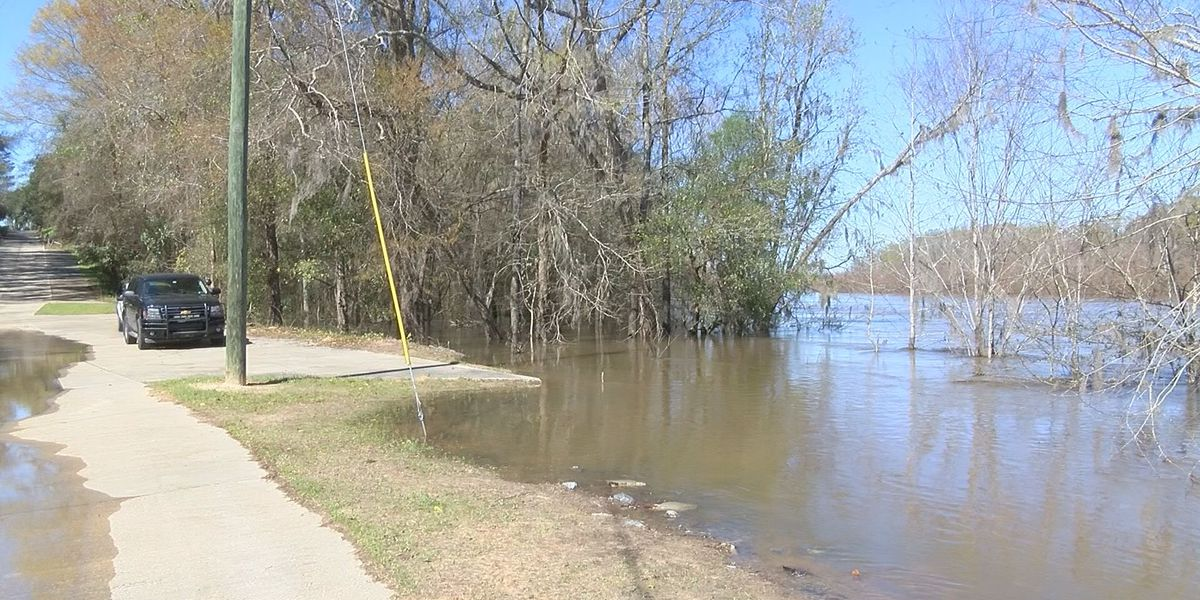 Altamaha River continues to rise in Wayne County