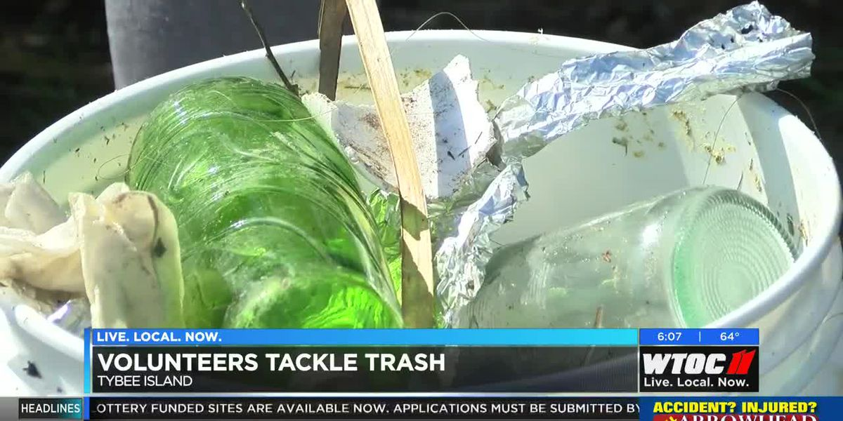 Volunteers tackle trash on Tybee Island
