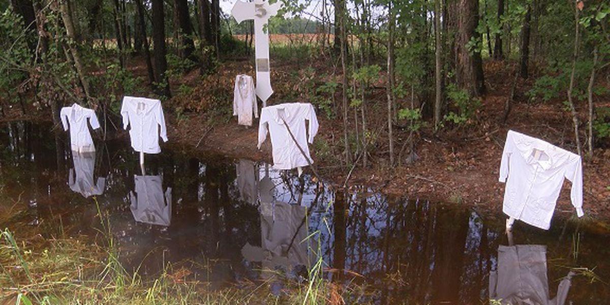 Good Samaritan stops to fix memorial display on I-16 in Bryan County