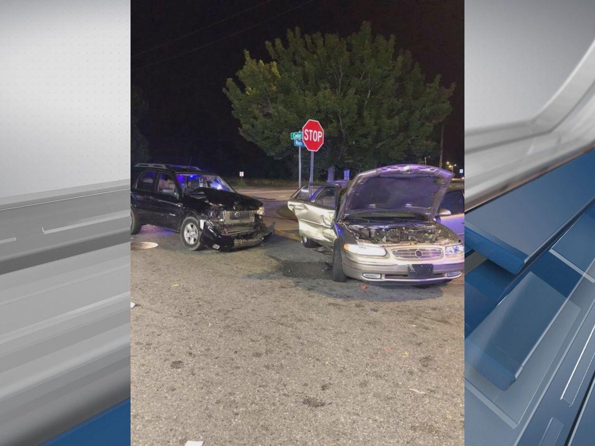 Savannah man charged after fleeing crash scene on Wheaton St.