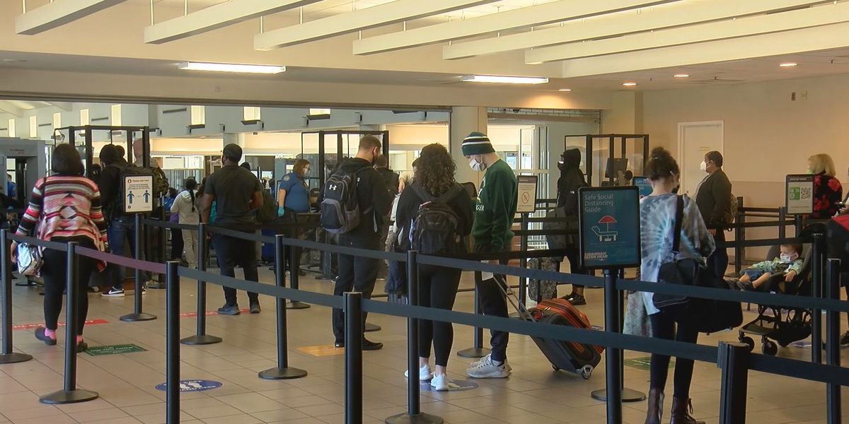 Many still traveling for the holidays during the COVID-19 pandemic