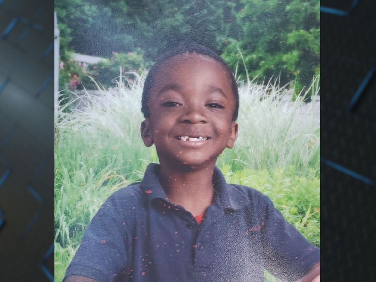 Savannah Police looking for missing 10-year-old boy