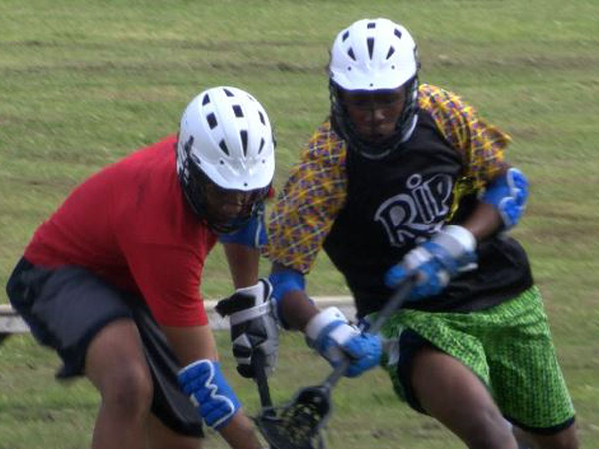 Atom Smashers learning lacrosse on the fly