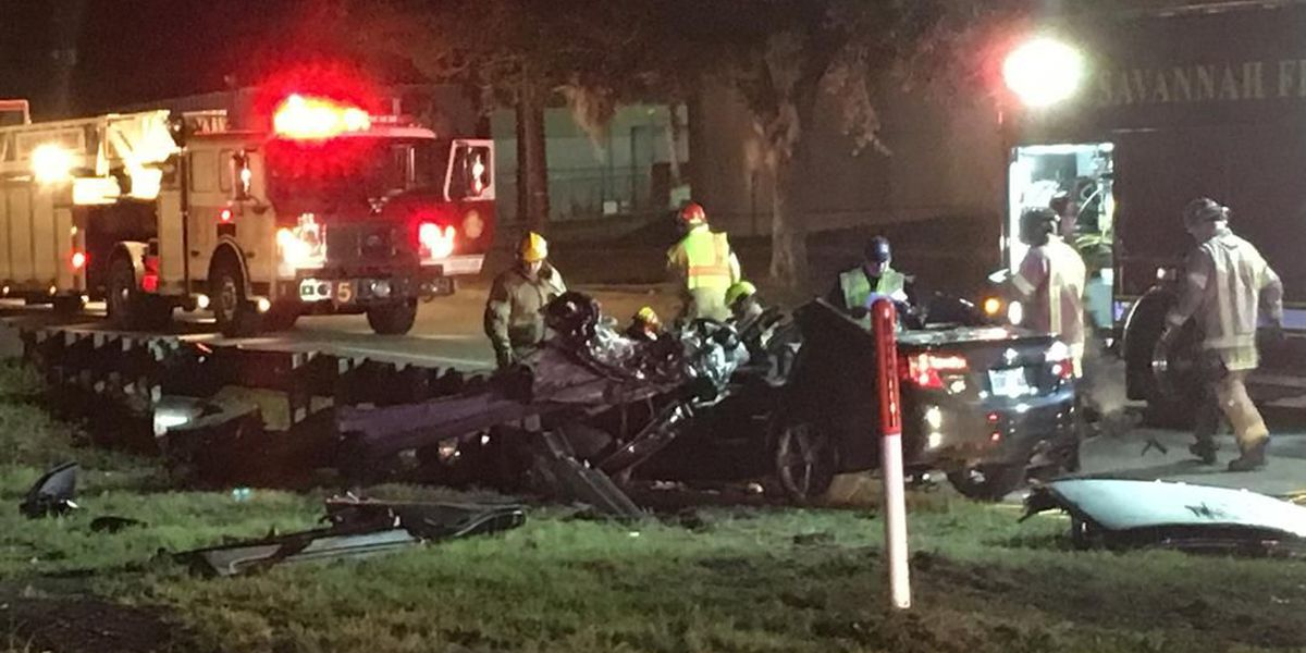 Teenager seriously injured in single-vehicle wreck at West Boundary, Gwinnett streets