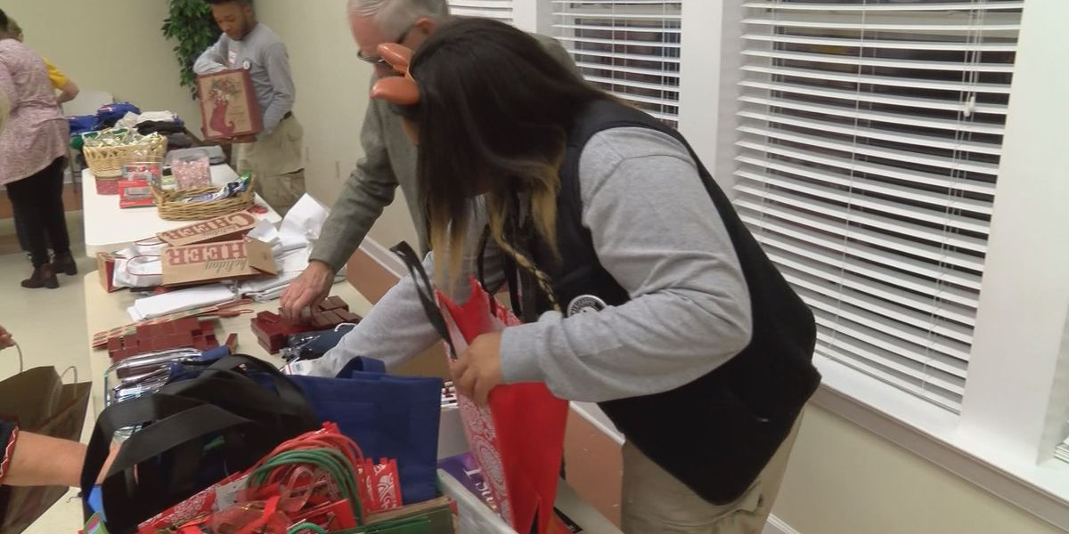Volunteers gather to wrap Christmas presents for over 300 seafarers