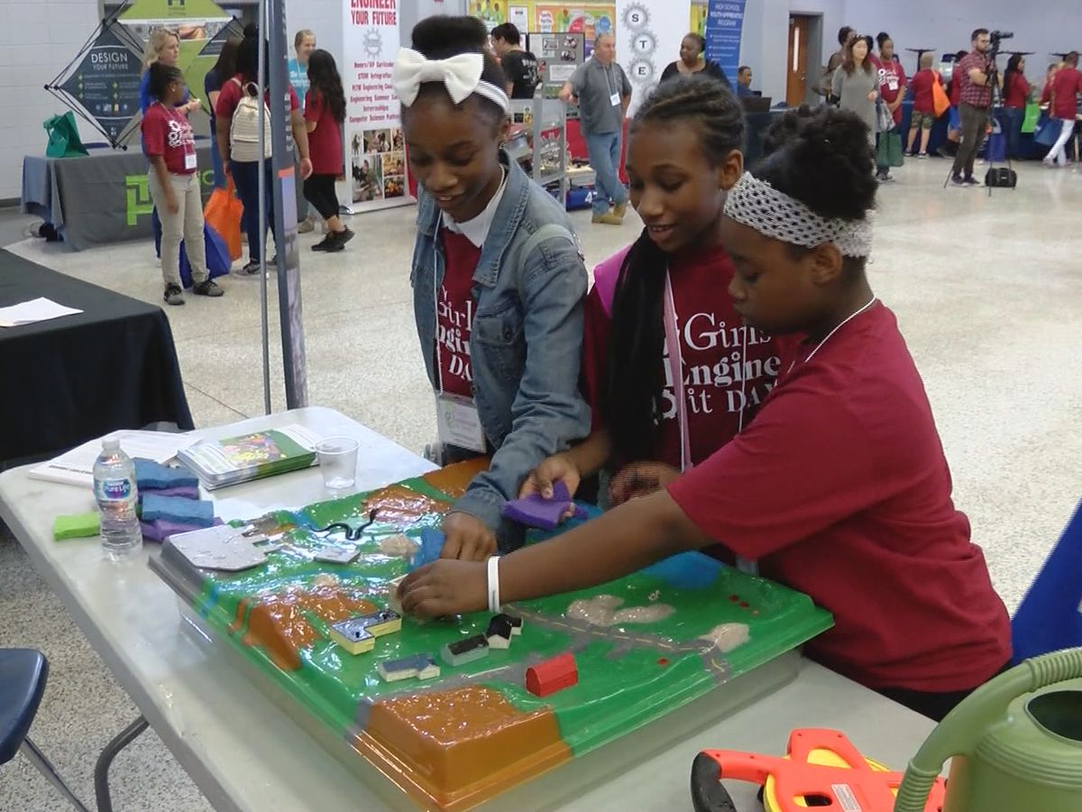 Society of Women Engineers host 7th annual Girls Engineer IT day