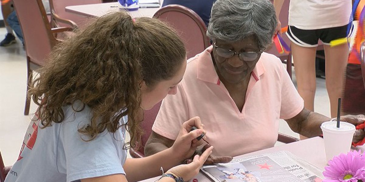 Good News: 'Summer Angels' spend time with elders
