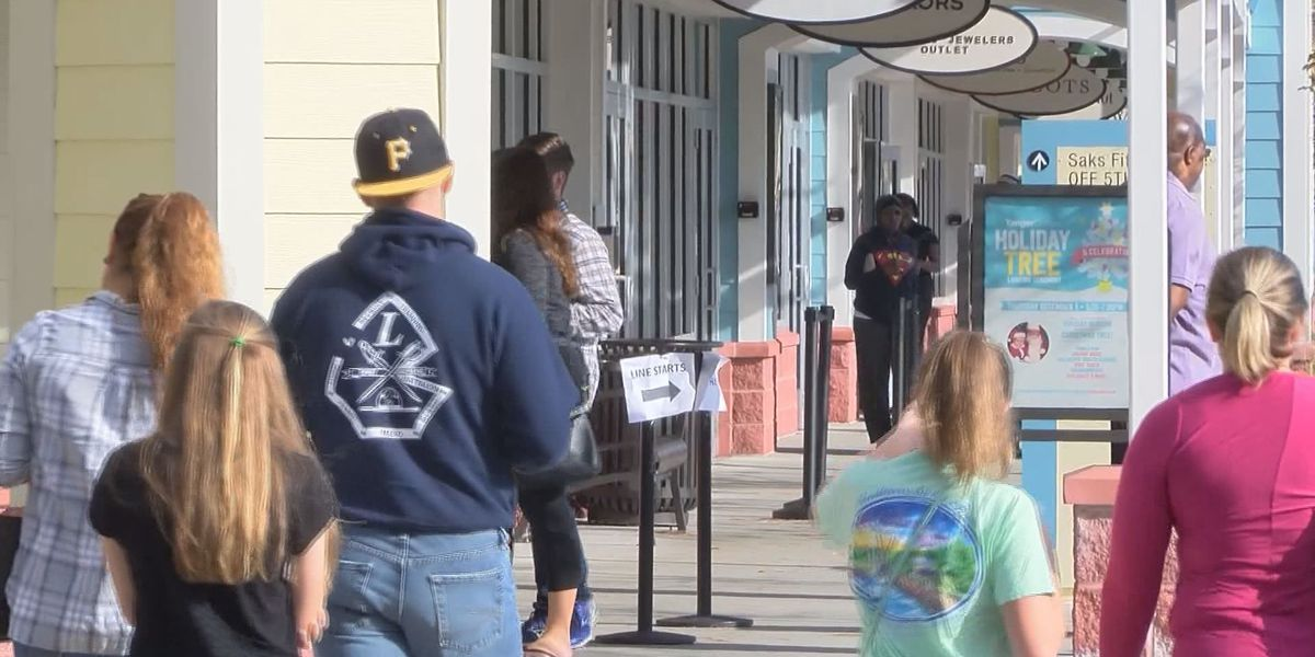 Shoppers continue Black Friday traditions at Tanger Outlets in Hilton Head