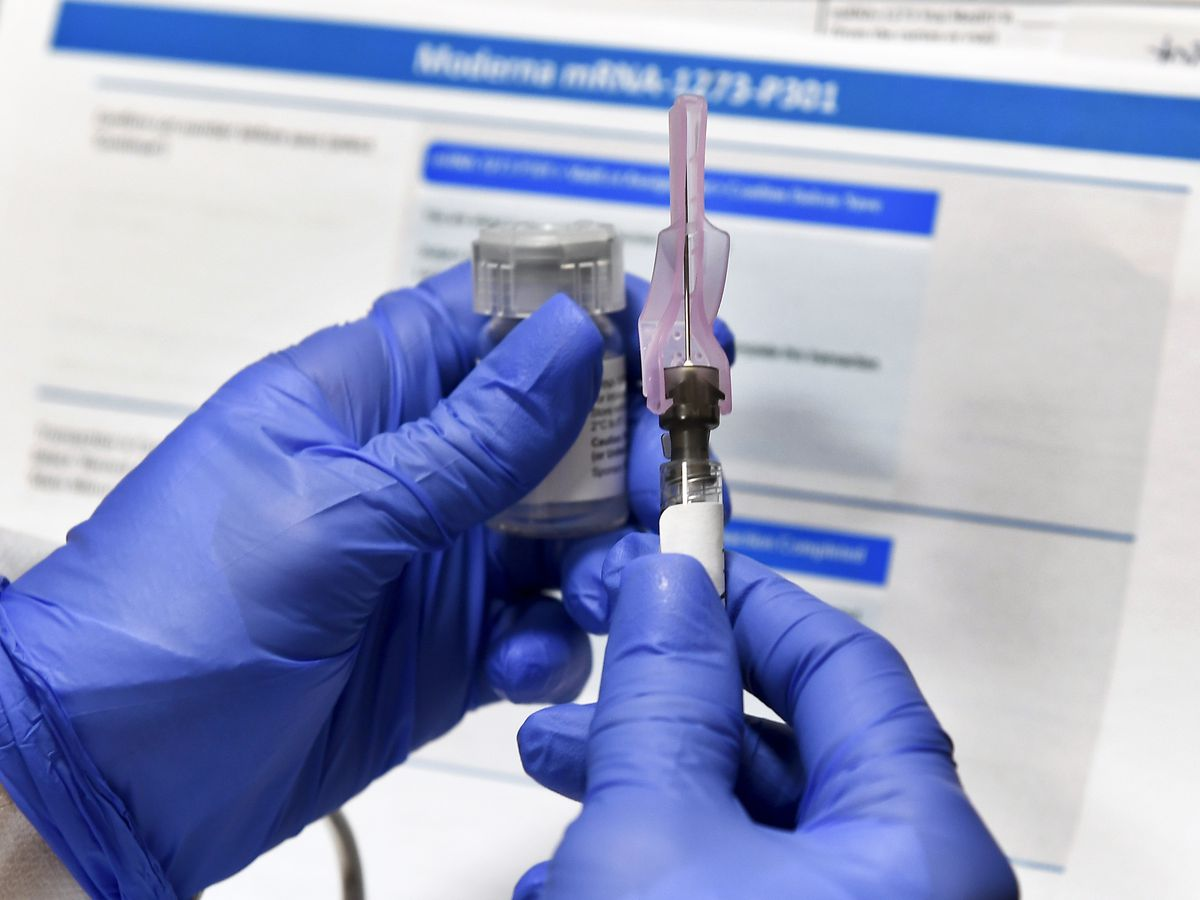 US regulators, experts take up thorny vaccine study issues