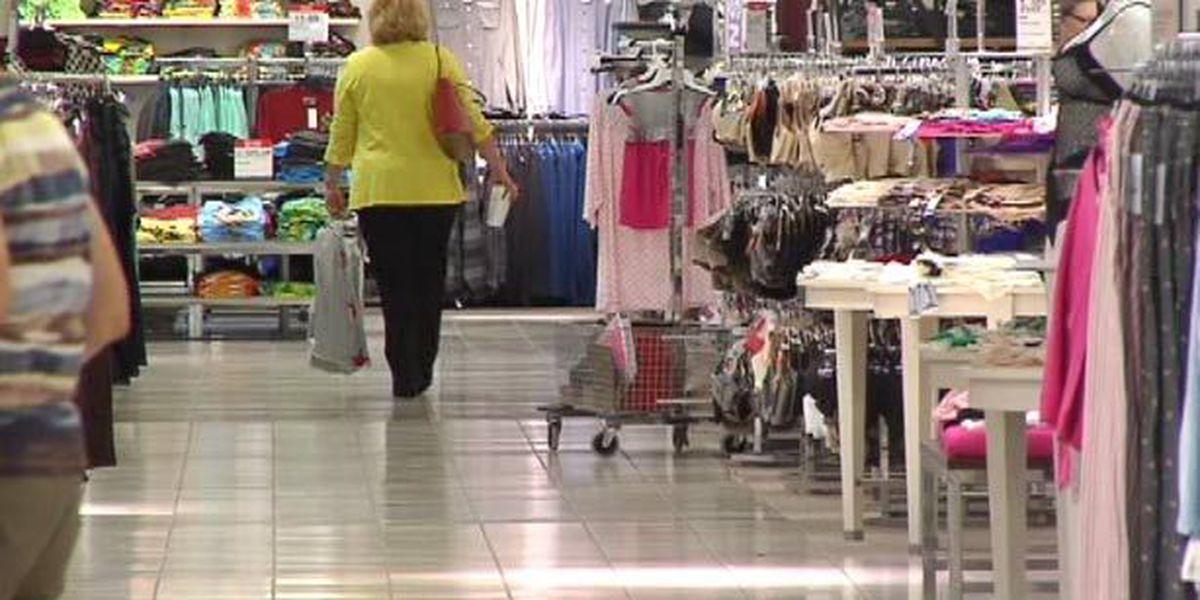 Holiday shopping season ramps up