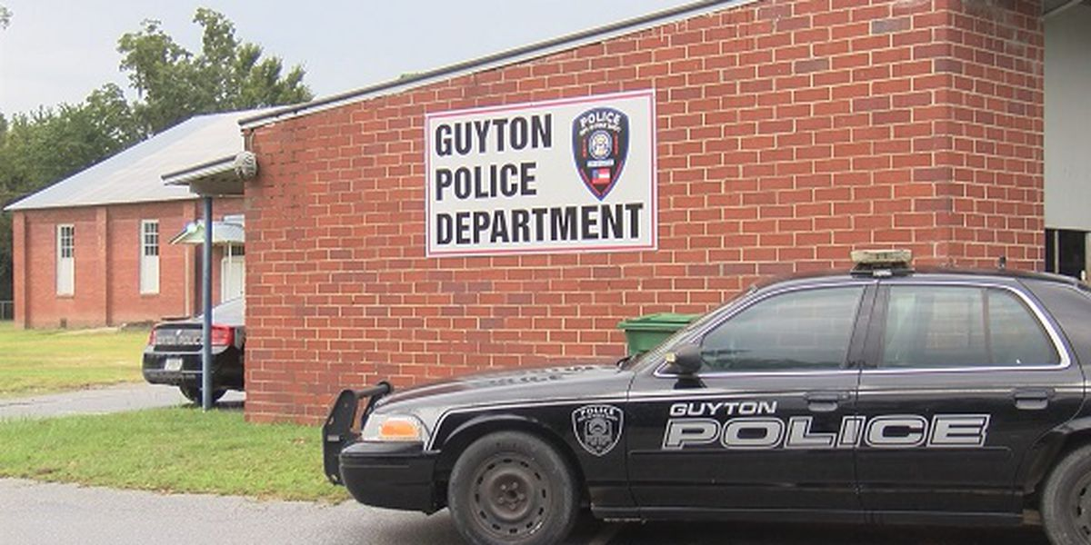 Guyton to swear in new police chief