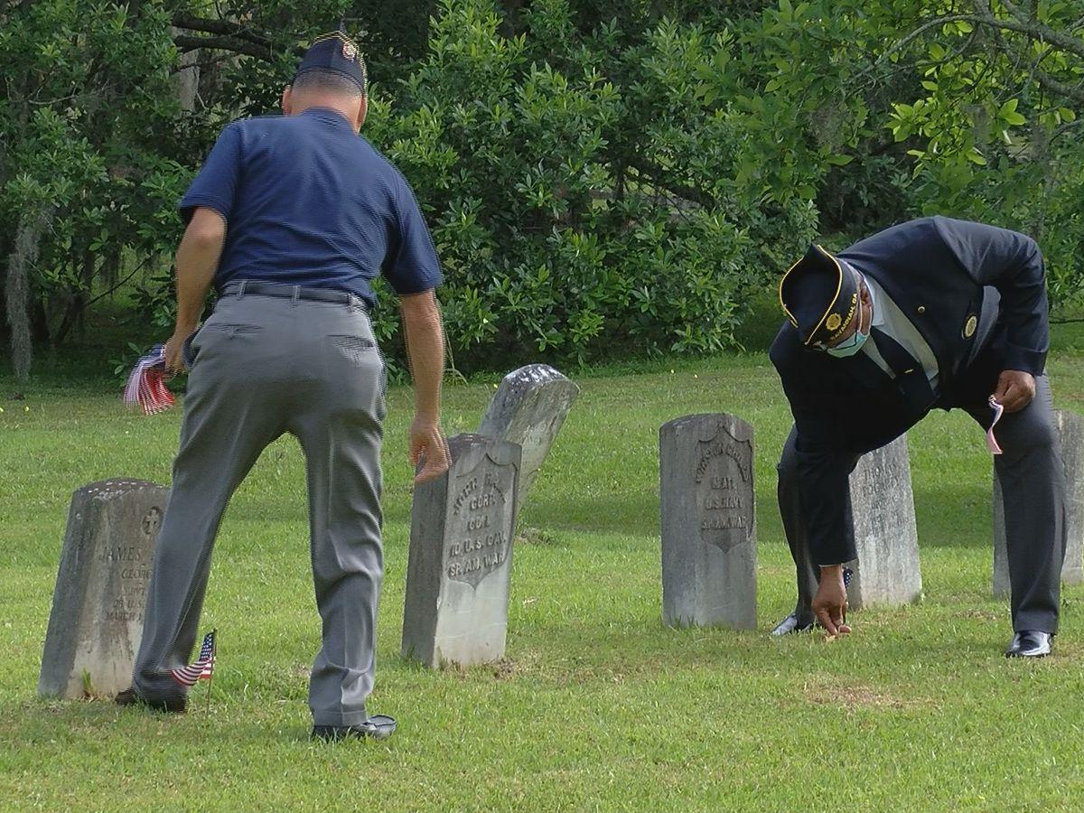 Savannah veterans honor fallen heroes at Laurel Grove South