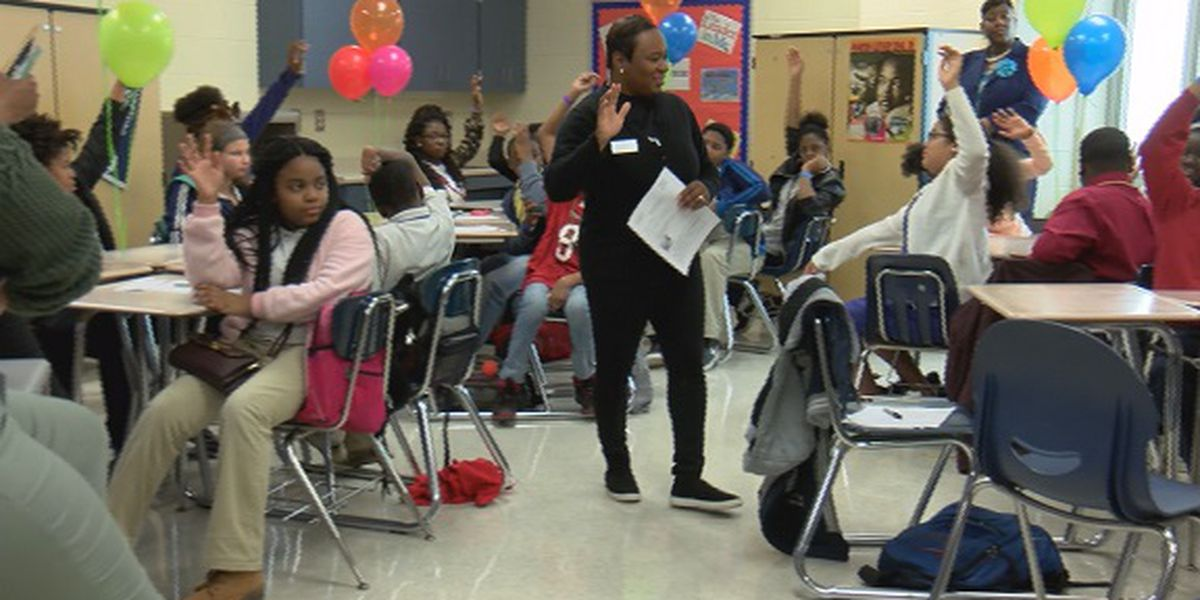 Good News: Students participate in 'No One Eats Alone' anti-bullying program