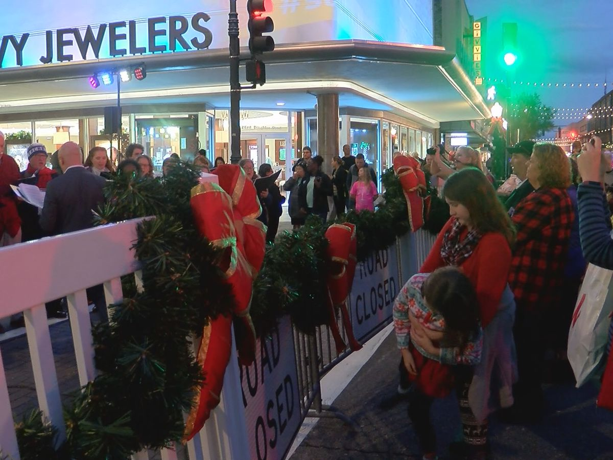 Christmas carolers hit Broughton Street to spread holiday cheer