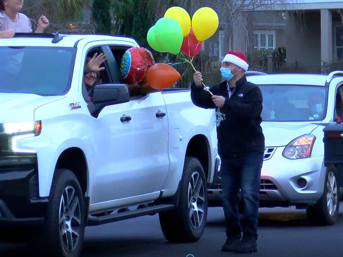 Community welcomes S.C. teenager home with Christmas parade after battling leukemia, COVID-19 over holidays