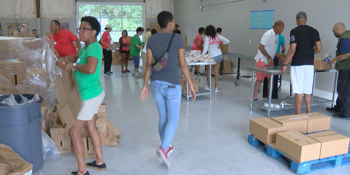 Family spends Savannah reunion giving back at Second Harvest