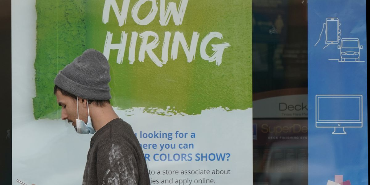 US jobless claims sink to 473K as more GOP governors bar aid