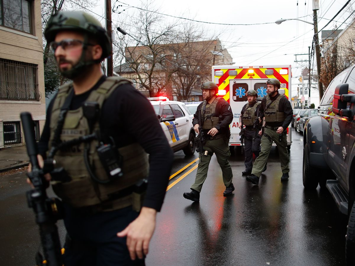 Officer, 5 others killed in shootout, standoff in Jersey City