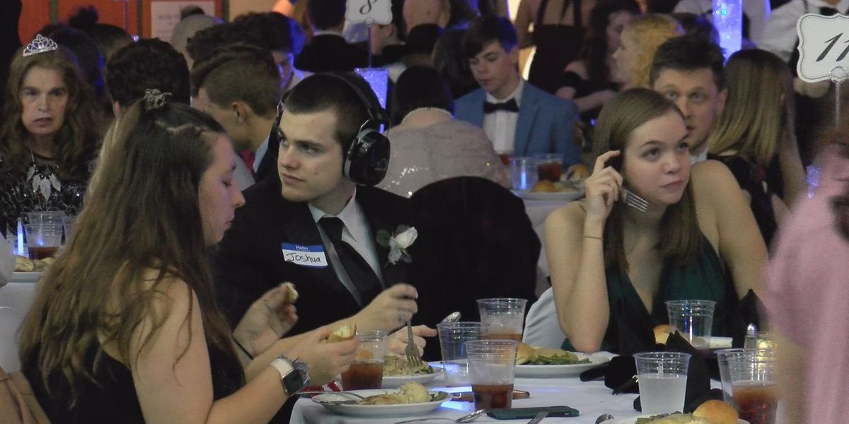 'Night to Shine' held to celebrate special needs