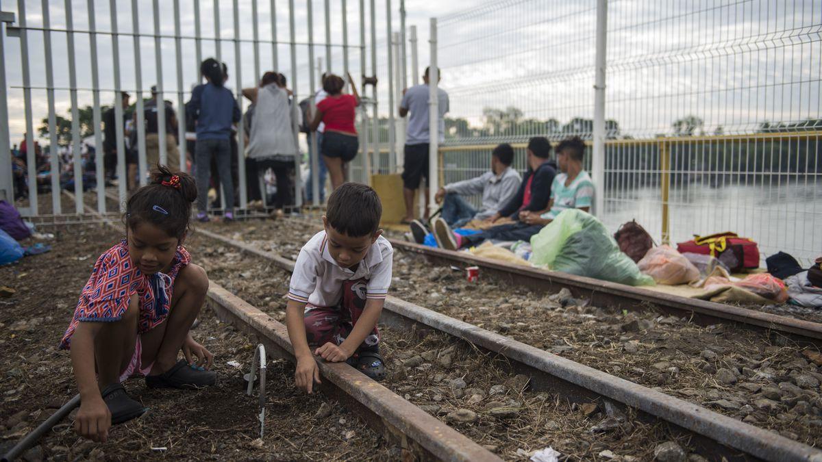 Weary migrants still far from reaching US border