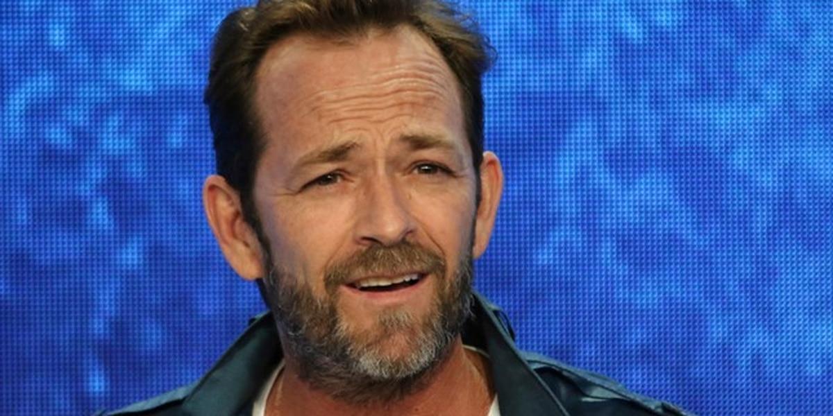 '90210' star Luke Perry dies at age 52