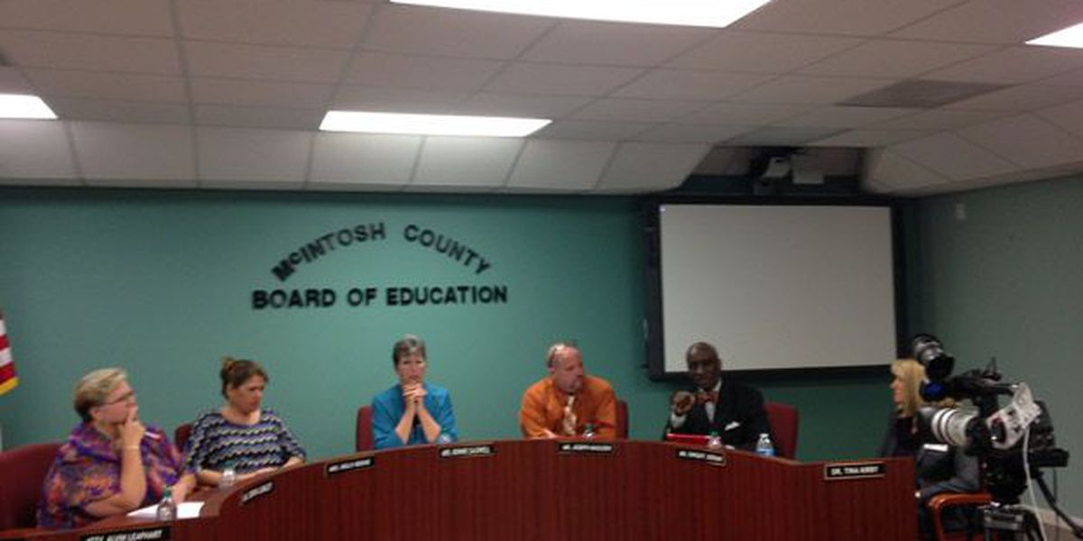 NEW at 11: McIntosh School Board votes to keep officials