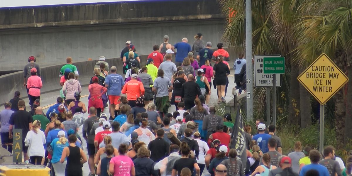 Thousands run in annual Enmarket bridge run