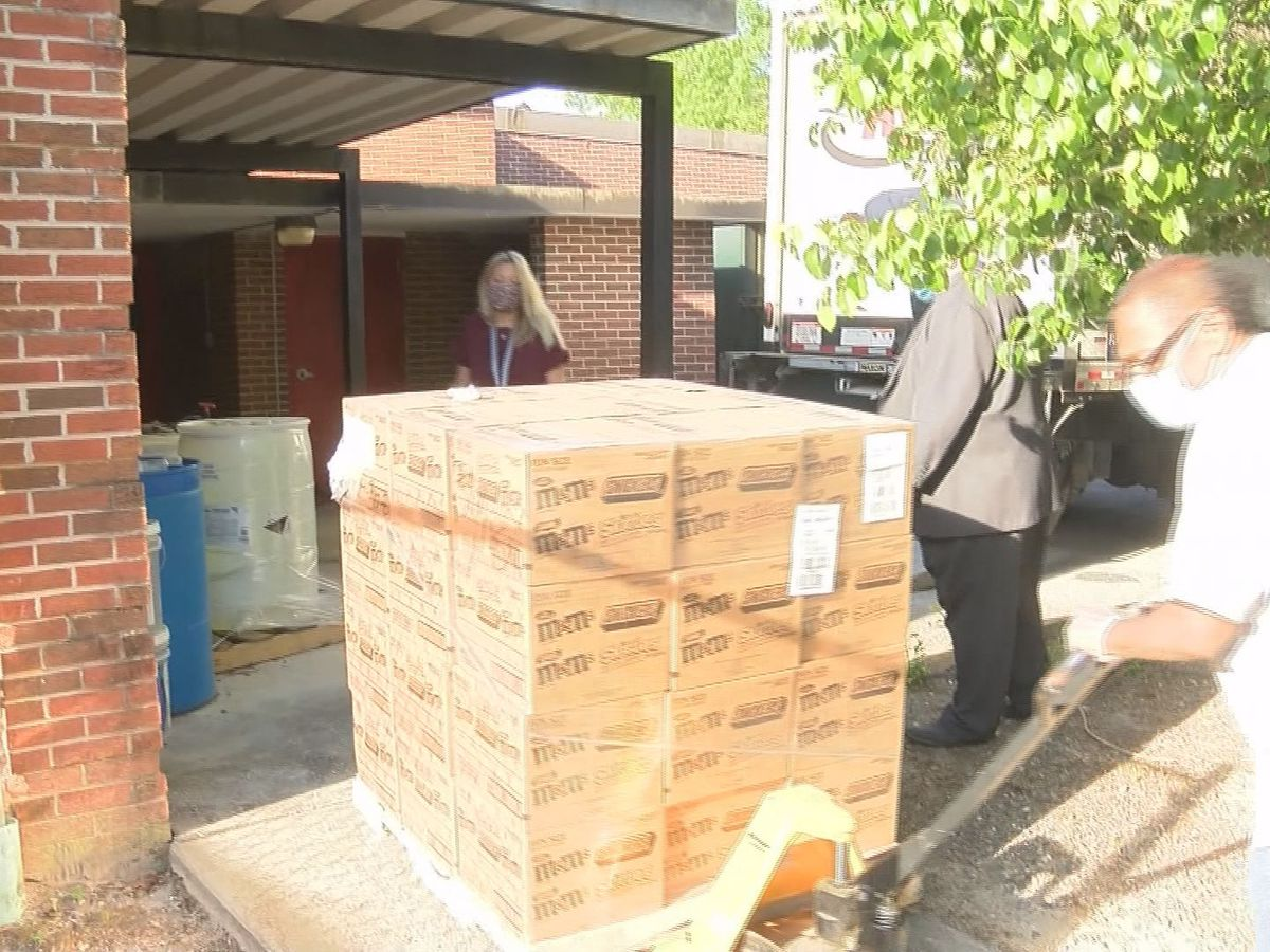 Bloomingdale school pantry resupplied by business partners