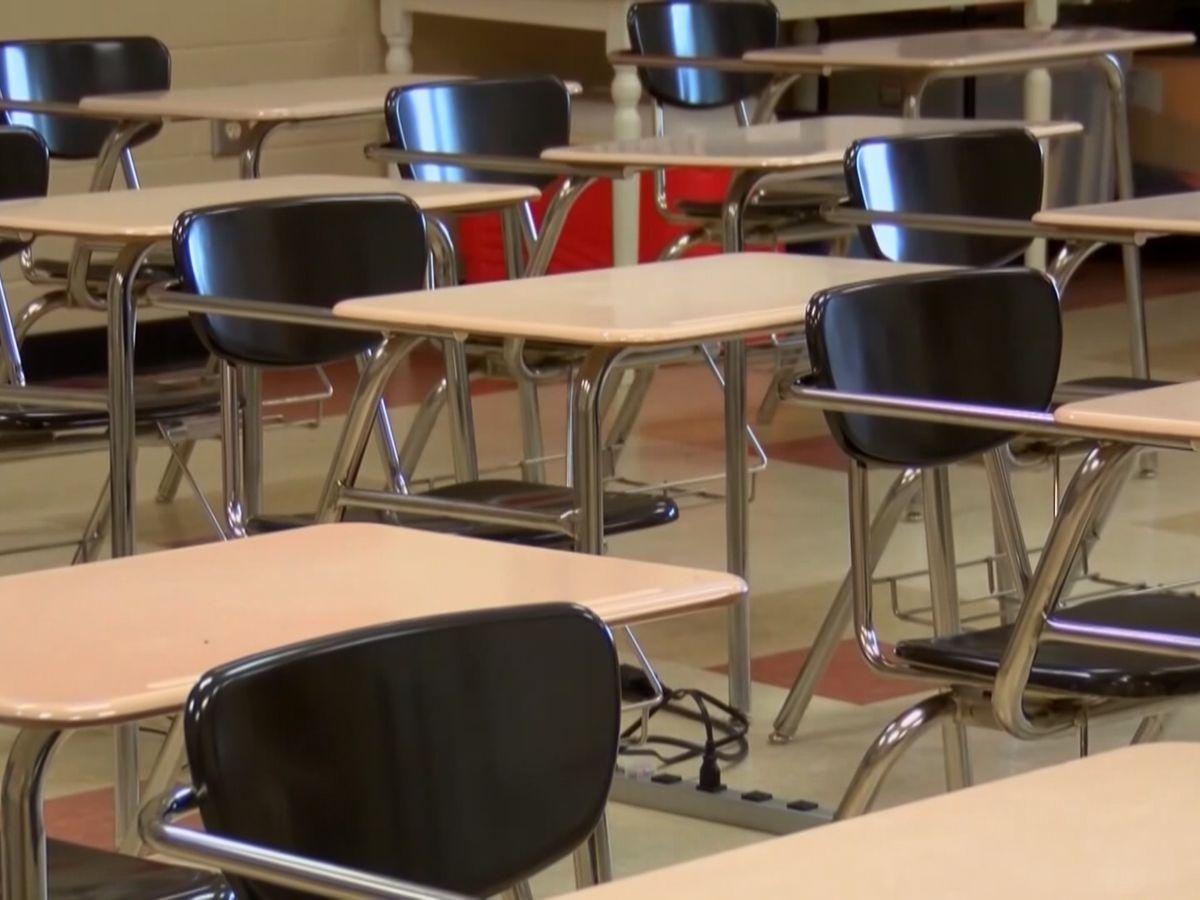 Liberty Co. School System giving bonus to teachers, staff