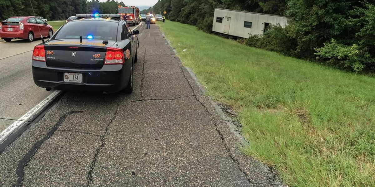 1 person killed, 1 transported to hospital after wreck on I-16 near Old River Rd.
