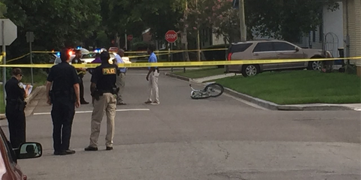Teen shot while riding bicycle at E. 39th, Live Oak Streets