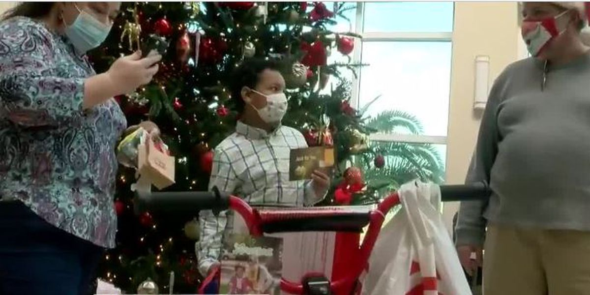 Savannah radio station, hospital team up for Christmas surprises