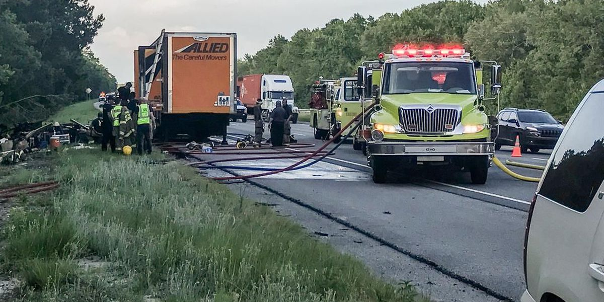 Tractor-trailer fire severely affecting traffic on southbound I-95 near Chatham, Bryan County line