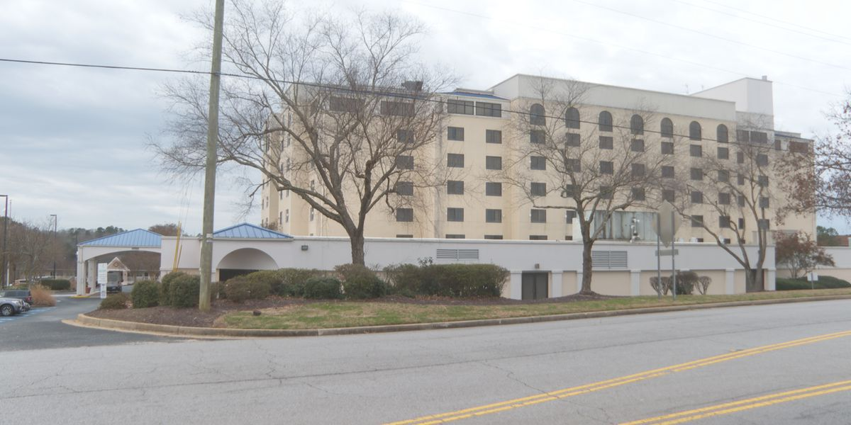 4-year-old killed in fall from 7th floor of SC hotel