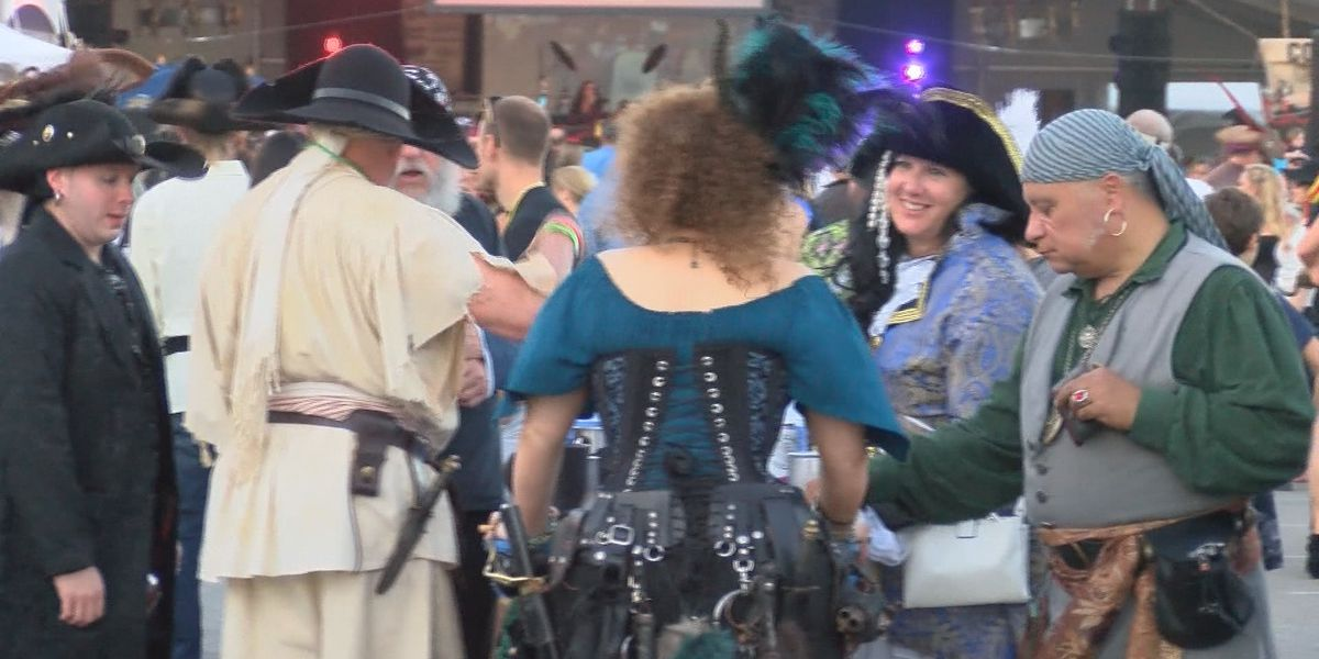 Thousands pack Tybee Island for annual Pirate Festival