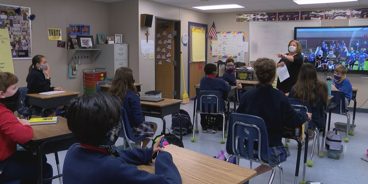 Georgia governor wants to get retired teachers to return