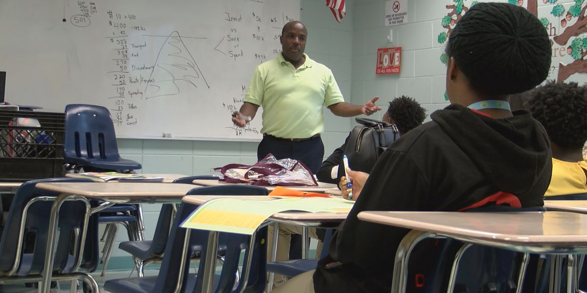 Teens prepare for jobs during Summer 500 training