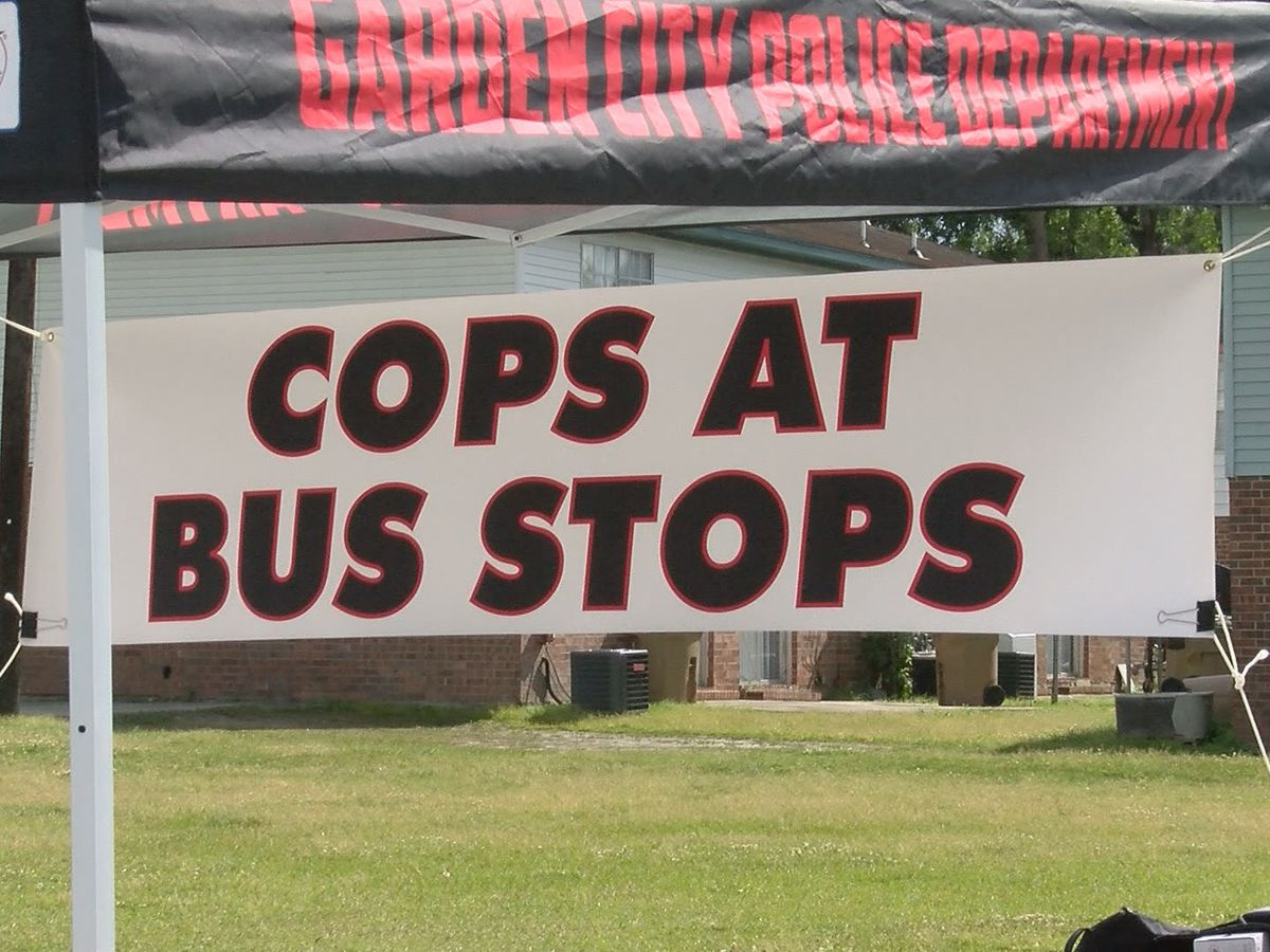 'Cops at Stops' introducing children to Garden City Police