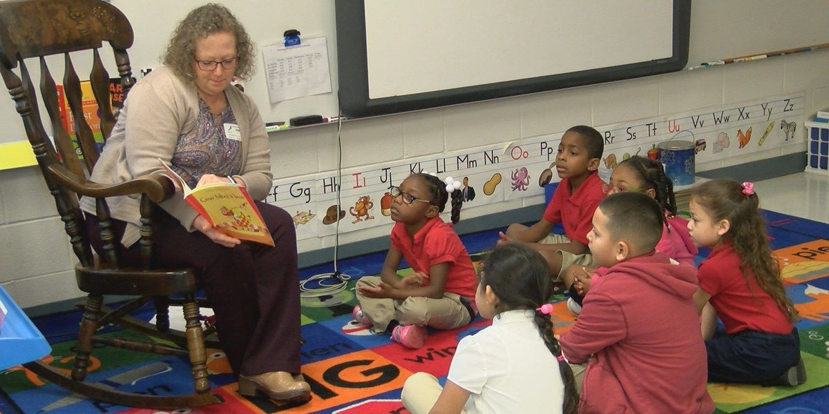 Good News: Volunteers read for Rotary 'Read-In'