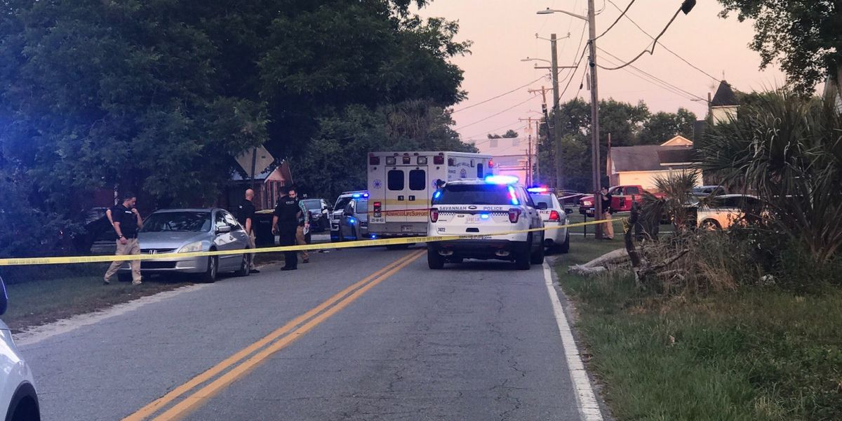 Savannah Police investigating after two men shot in area of Albion, Alfred St.