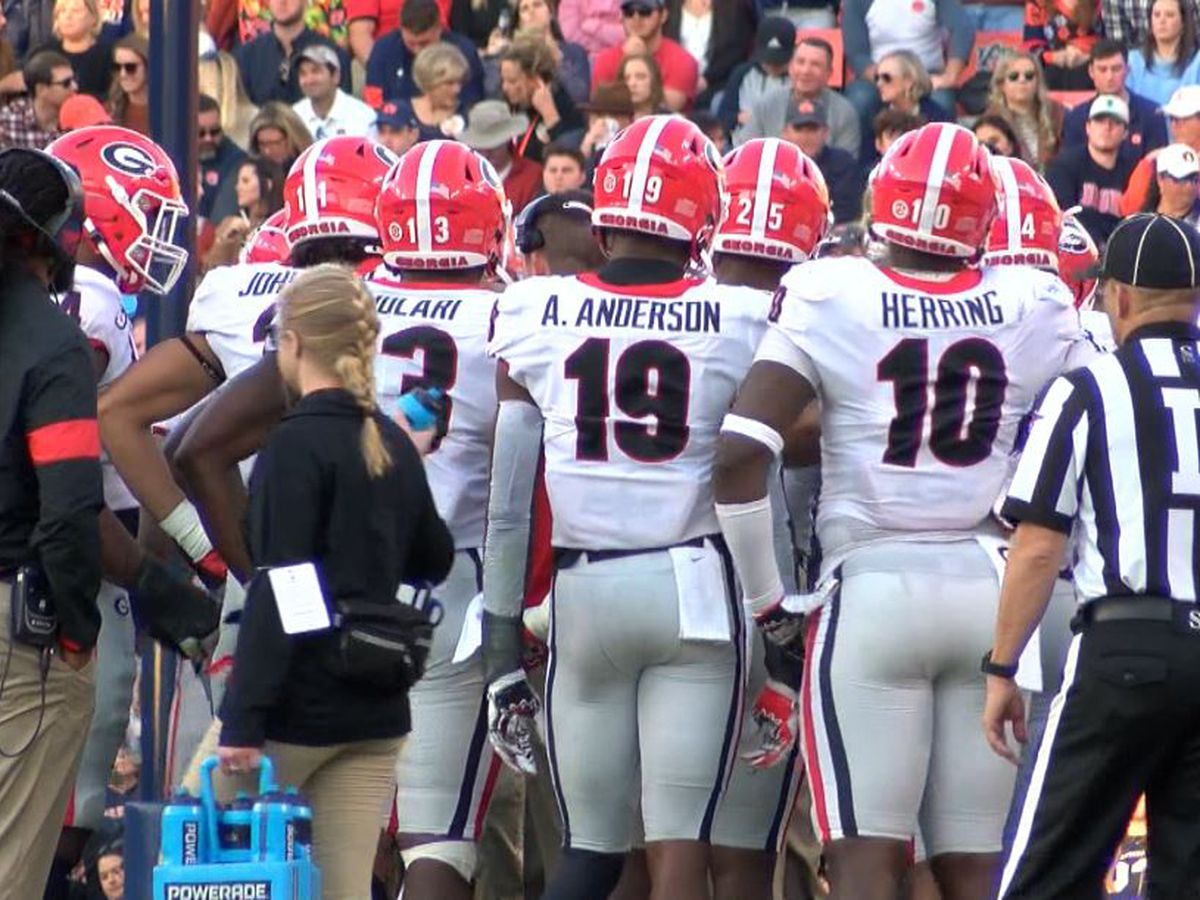 UGA, Clemson to meet in 2021 season opener in Charlotte