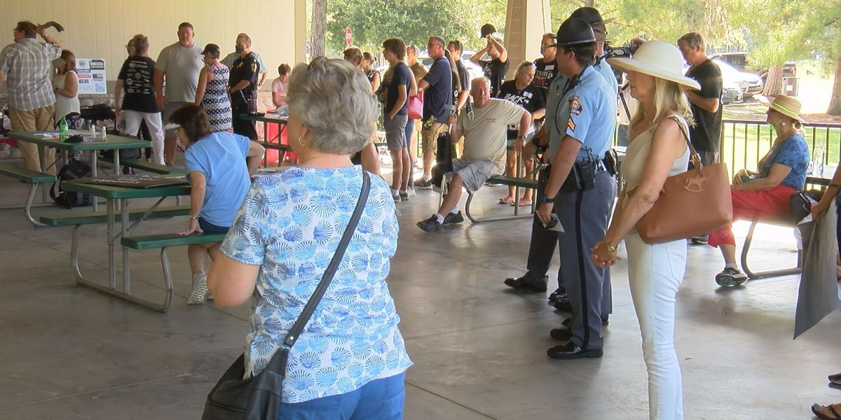 'Back the Blue' rally held in Pooler