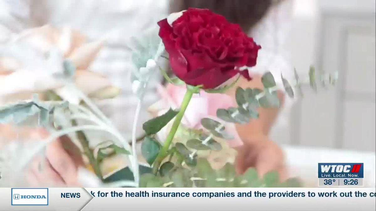 How to Make a Floral Arrangement for Valentine's Day