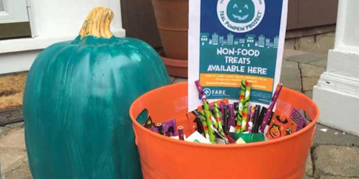Residents take part in Teal Pumpkin Project to offer candy alternatives for Halloween night