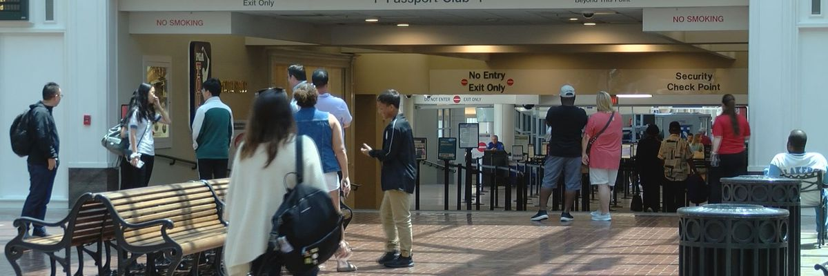 Check status of flights at Savannah/HHI International Airport
