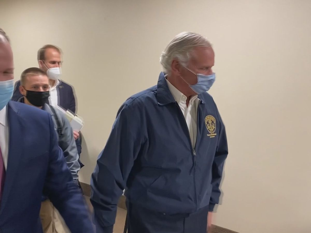 Gov. McMaster visits Hilton Head Hospital, gives update on vaccination rollout