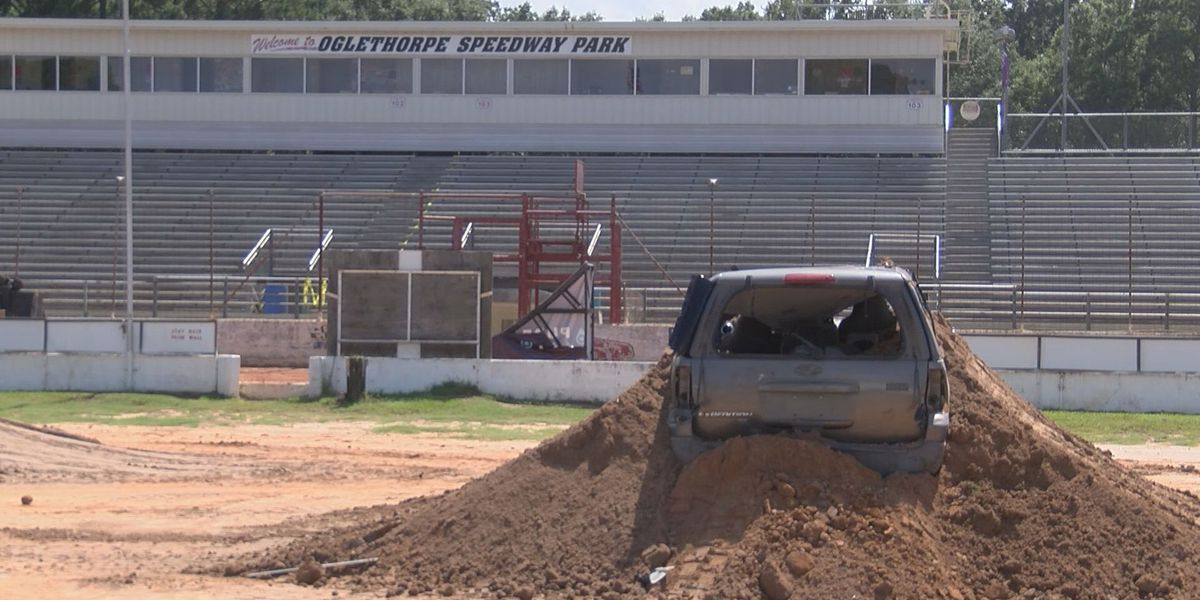 Oglethorpe Speedway prepared to host monster truck show