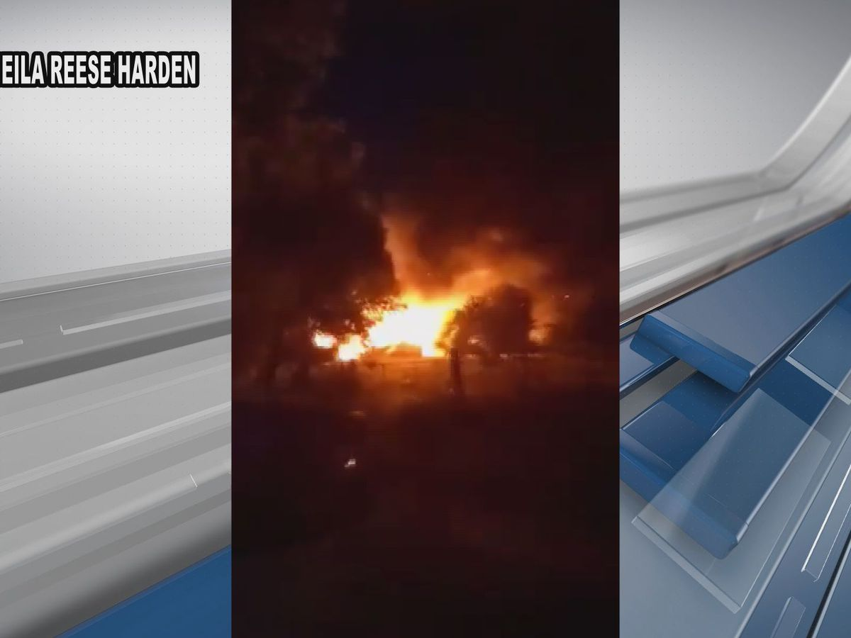 Video captures huge flames from Effingham Co. barn fire