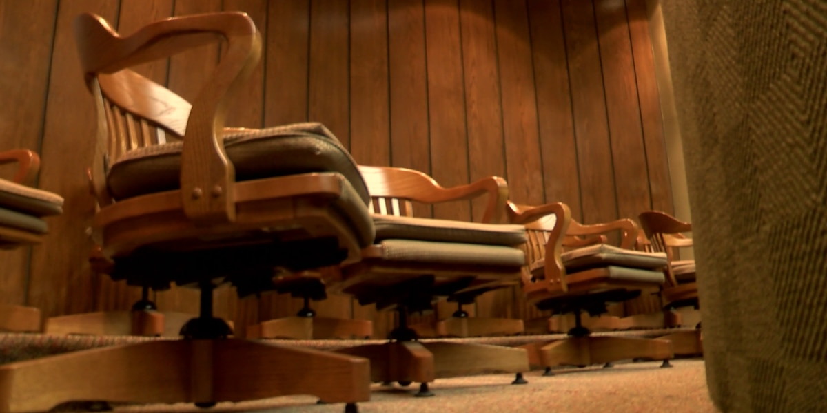 """Judge permanently removed from bench after telling alleged rape victim to """"close your legs"""""""